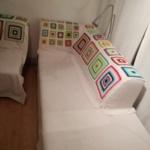 Rechter Teil des Sofas mit Granny-Squares